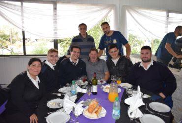 ALMUERZO CON JUBILADOS Y ESTUDIANTES ESCUELA DE PESCA